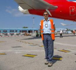Antonio Gentilini all'aeroporto di Pisa