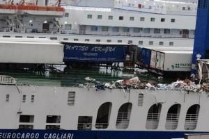 MALTEMPO: TRAGHETTO PERDE RIMORCHI IN MARE SICILIA