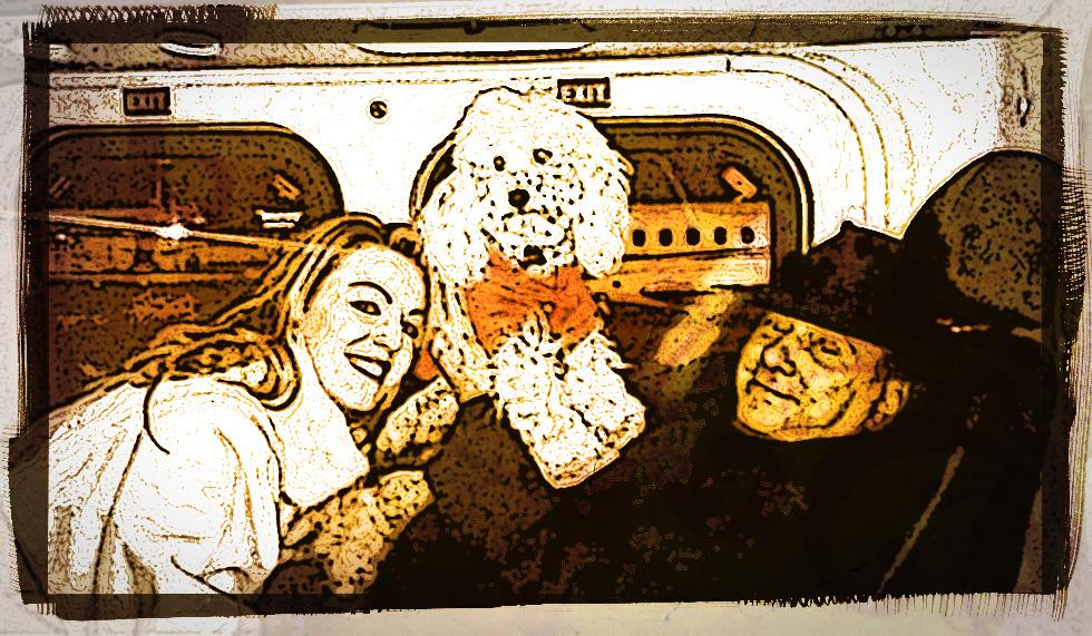 Dudù con Silvio Berlusconi e Francesca Pascale sul jet privato