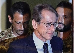 Giulio Terzi di Sant'Agata con i marò Massimiliano Latorre e Salvatore Girone