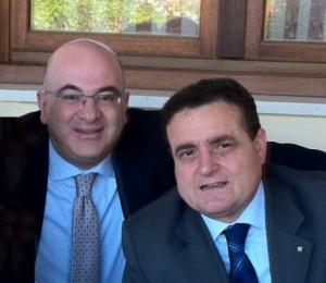 Carlo Parisi a sinistra con il segretario nazionale FNSI Franco Siddi