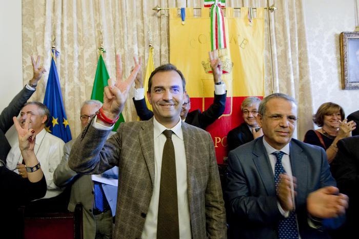Luigi De Magistris torna sindaco di Napoli