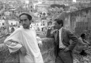 Pier Paolo Pasolini a Matera durante le riprese del Vangelo secondo Matteo