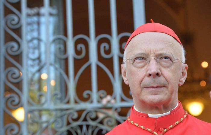 Il cardinale Angelo Bagnasco, presidente della Cei (photo Ansa/Zennaro)
