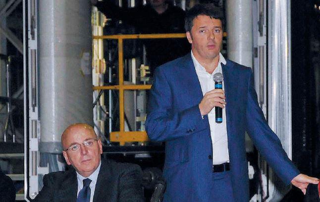 Il nuovo presidente della Regione Mario Oliverio in una foto con Matteo Renzi