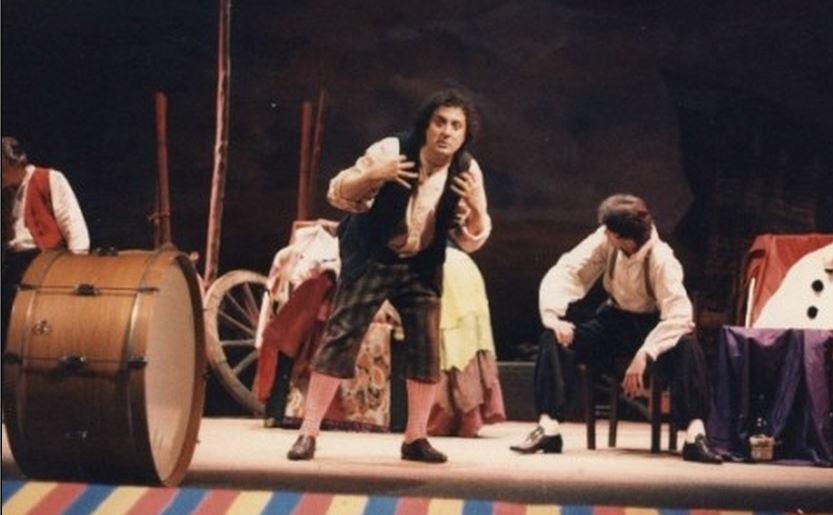 """Totonno Chiappetta in una scena teatrale de """"I Pagliacci"""""""