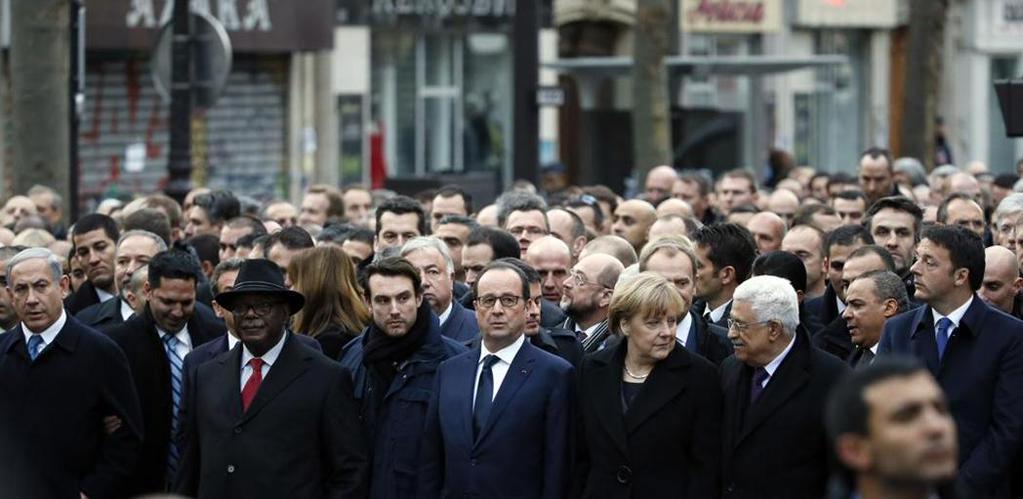 Marcia contro il terrore islamico - La prima fila coi capi di stato alla marcia di Parigi - foto Kovarik-Afp