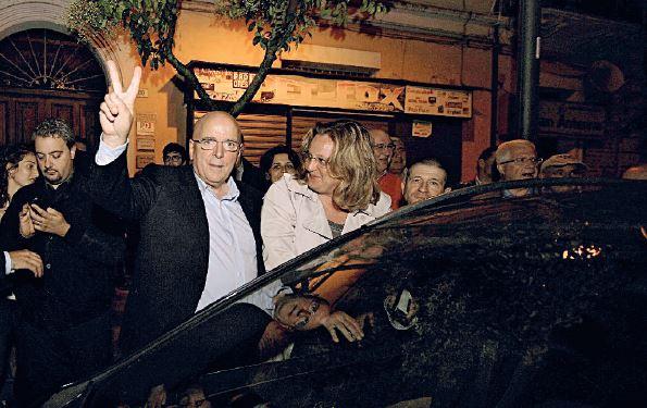 Mario Oliverio festeggia la vittoria alle regionali 2014 patto alfano renzi