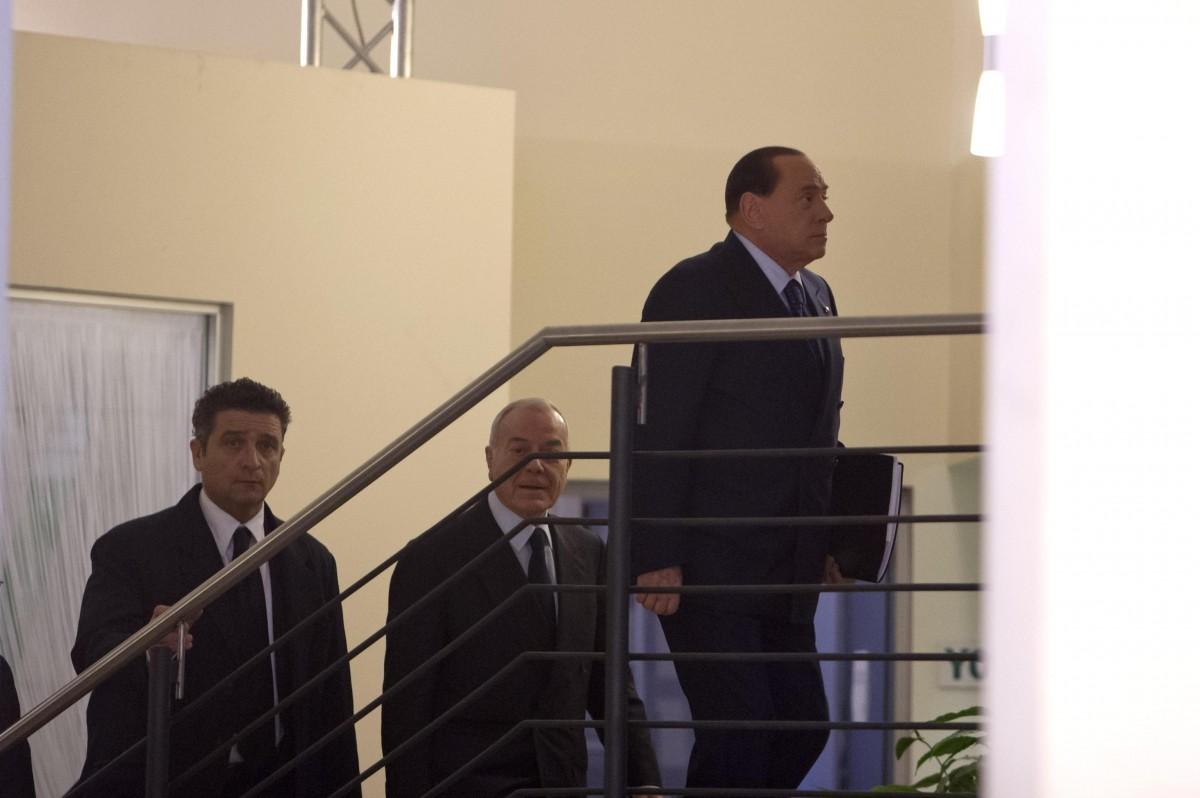 Berlusconi si reca da Renzi nella sede del Pd. Nasce il patto del Nazareno