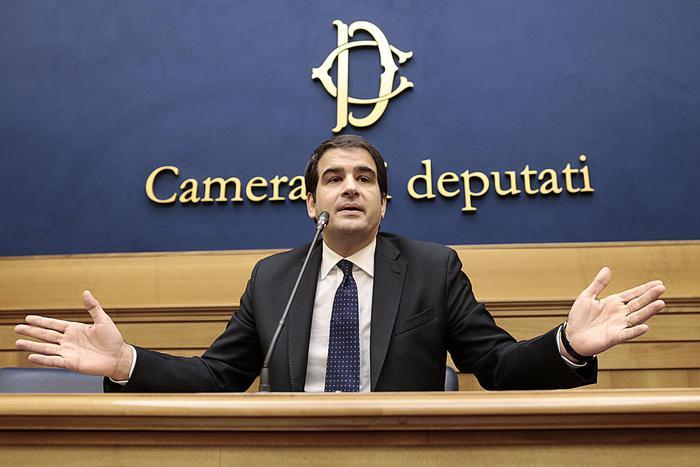 Raffaele Fitto durante la conferenza stampa di gennaio a Montecitorio (Ansa/Antimiani)