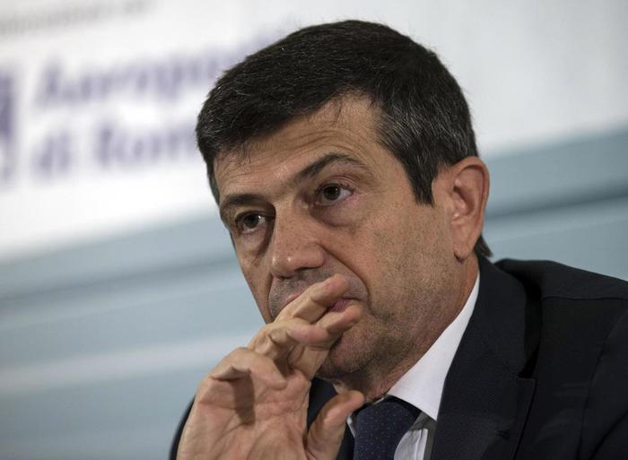 Il ministro del Ncd Maurizio Lupi - Guerini: Chiarisca