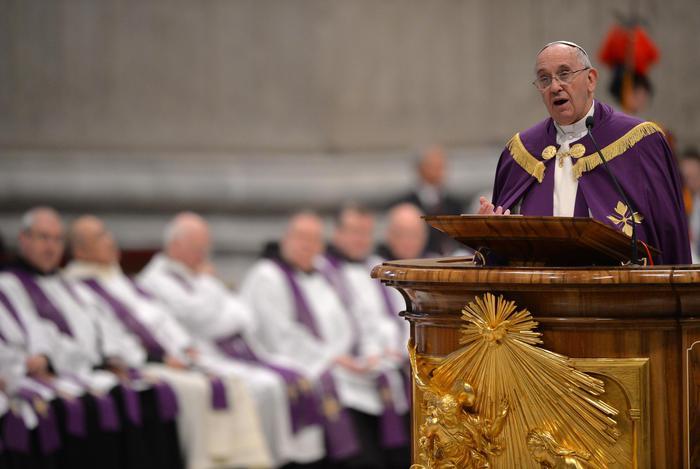 Papa Francesco nella Basilica di San Pietro per il rito penitenziale - Giubileo Anno Santo straordinario Misericordia Papa Francesco
