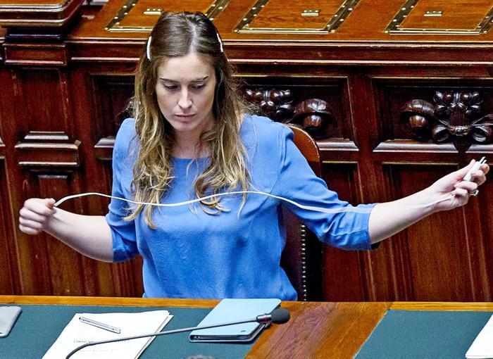 Il ministro delle Riforme Maria Elena Boschi oggi alla Camera.