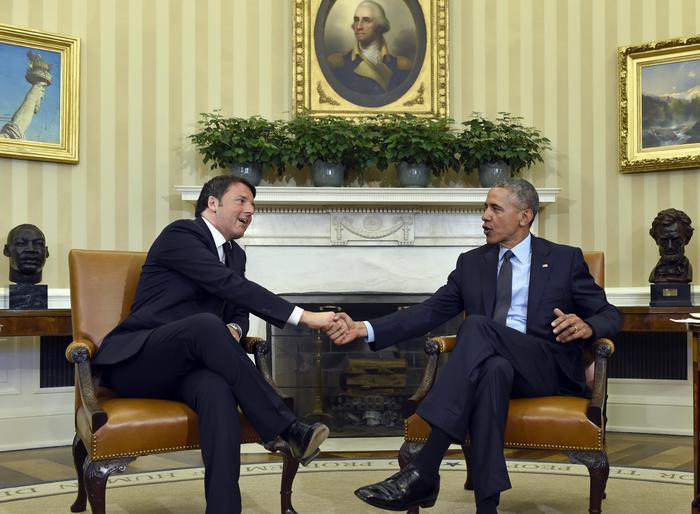 """Obama accoglie Renzi in Studio Ovale, """"Buongiorno"""""""