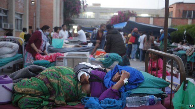 Terremoto in Nepal. Si dorme all'aperto