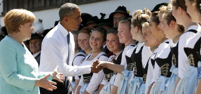 Angela Merkel e Barack Obama a Kruen prima del G7 a Elmau in Baviera - Ancora sanzioni contro Mosca (Reuters)