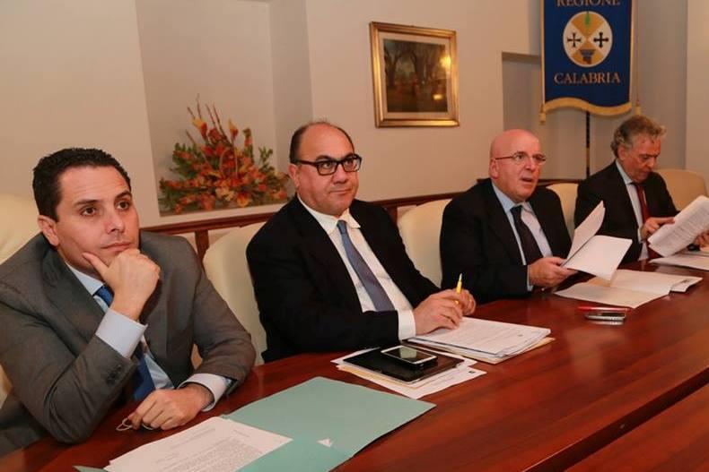 La Giunta della Regione Calabria - Da sinistra De Gaetano, Guccione, Oliverio e Ciconte - Tre sono indagati nell'inchiesta rimborsopoli