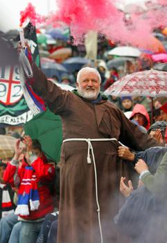 Padre Fedele Bisceglie ultrà del Cosenza