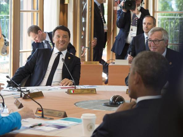 Renzi al G7 in Baviera. Di spalle il presidente Usa Barack Obama