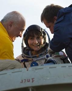 Samantha Cristoforetti back on Earth