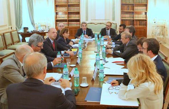 La riunione tra Viminale, Regioni e Comuni su campi rom e migranti