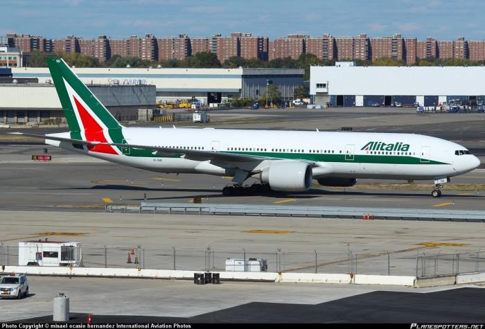 un Airbus Alitalia bloccato al Jfk a New York per allarme bomba