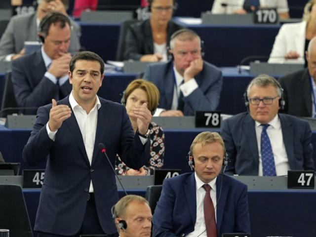 Alexis Tsipras mentre parla a Strasburgo al Parlamento europeo - Piano Tsipras