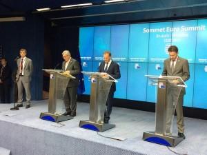 Da destra Jeroen Dijsselbloem ,Donald Tusk e Jean-Claude Juncker