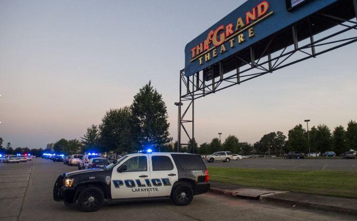 """Gran theatre louisiana Louisiana, strage al cinema. 3 morti, tra cui killer. Obama: """"Io frustrato"""""""