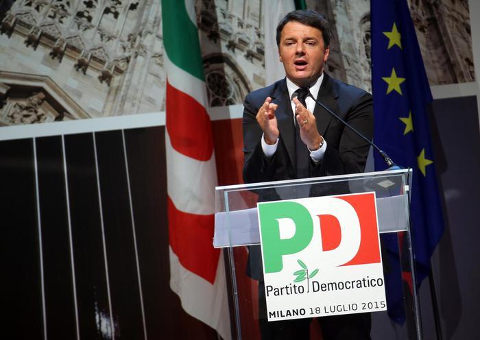 """Matteo Renzi durante il suo intervento all'assemblea nazionale del Pd all'Expo di Milano  - Nel 2016 """"aboliremo la tassa sulla prima casa"""""""