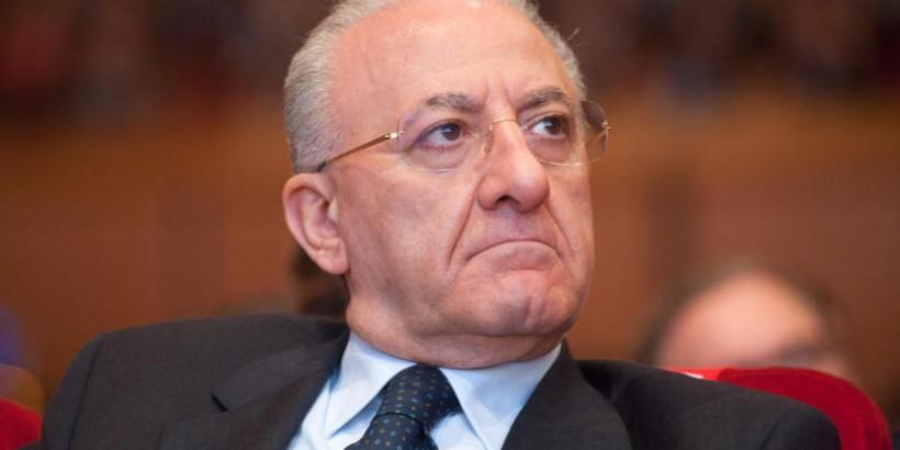 Vincenzo De Luca - Venerdi 17 il suo destino è appeso al filo della decisione del giudice di Napoli