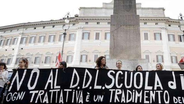 proteste a Montecitorio contro riforma scuola