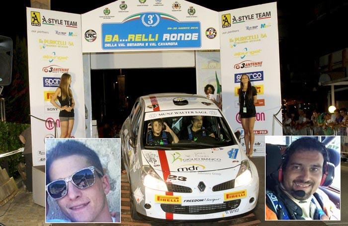 La Renault Clio con i piloti alla partenza del rally di Carlazzo. Nei riquadri da sinistra gli sfortunati piloti Robin Munz e Stefano Campana