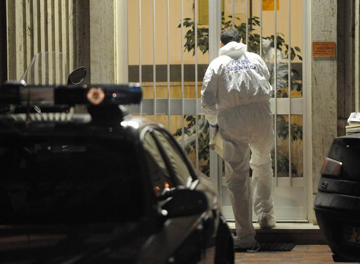 La polizia scientifica (immagini archivio Ansa) Pietro Scida omicidio a Crotone