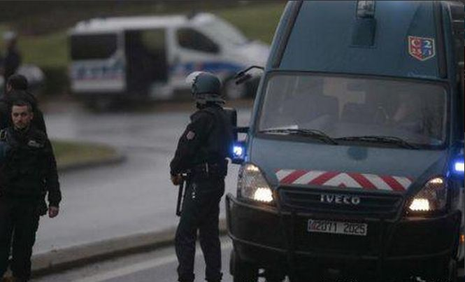 sparatoria in un campo nomadi 3 morti a Roye Francia gendarmi