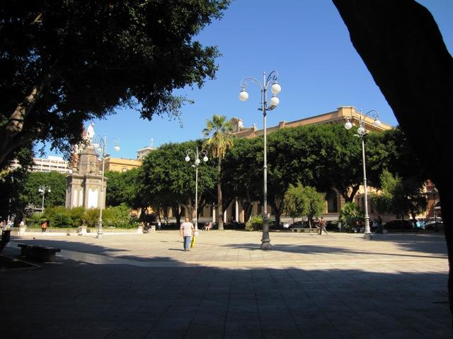 Piazza del Carmine a Cagliari dove è avvenuto l'omicidio di Carmine Miele