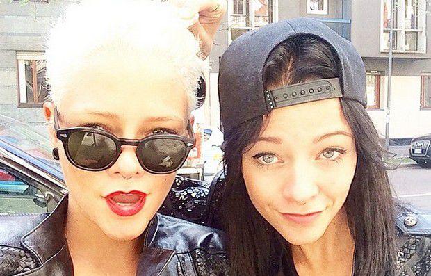 Le Donatella, da sinistra Giulia e Silvia Provvedi, due gemelle di Modena