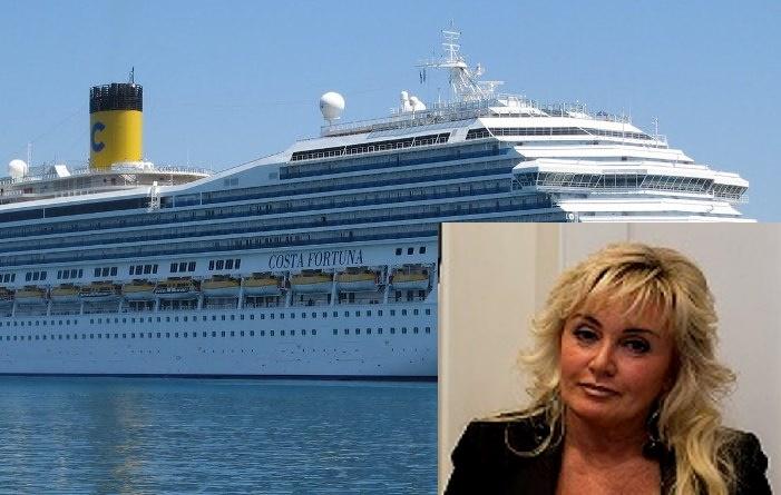 La nave Costa Fortuna, nel riquadro Laura Stuardo