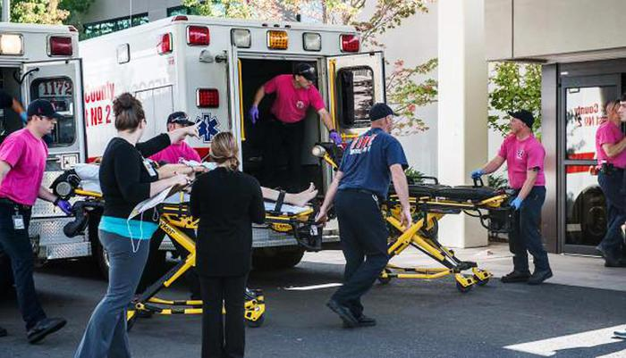 Oregon School Shooting - Oregon, Usa. Odio religioso al campus. 20enne uccide 10 studenti