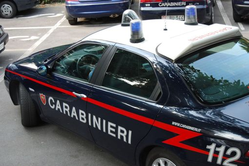 Gallico (Rc), arrestati due macedoni per tentato omicidio - in foto auto carabinieri