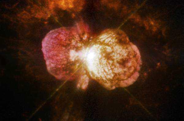 La Nasa scopre eruzioni in altre galassie come Eta Carinae