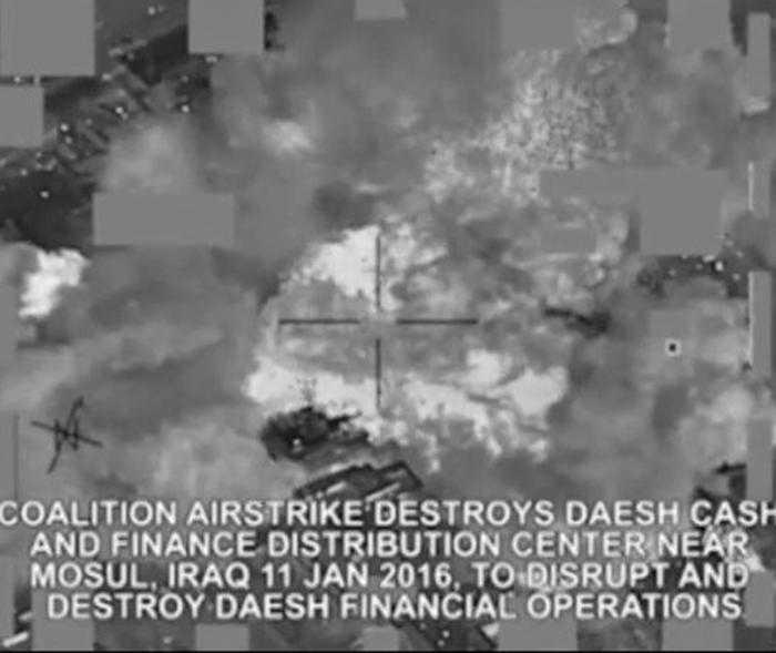 Un frame del video dell'attacco amaericano a Mossul Iraq