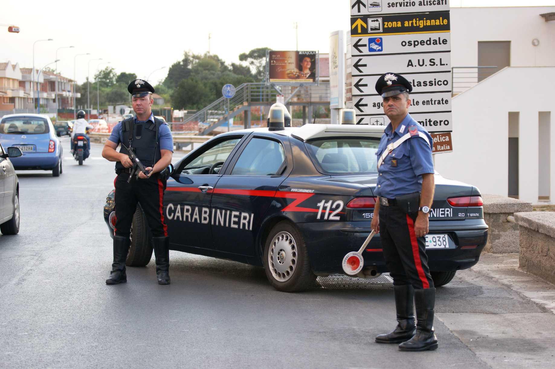 Droga e contrabbando a Napoli, arrestati 18 membri clan Lo Russo