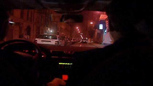 Milano Lambrate, 15enne salvata da Polizia. Dormiva in auto satura di gas
