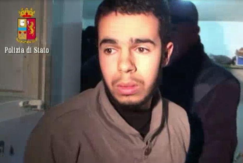 Isis, arrestato a Cosenza Hamil Mehdi foreign fighter che vendeva tappeti