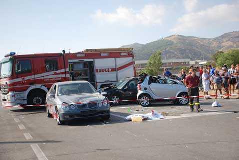 Sibari, un morto e 4 feriti in un incidente stradale. Perde la vita Rocco Aurelio