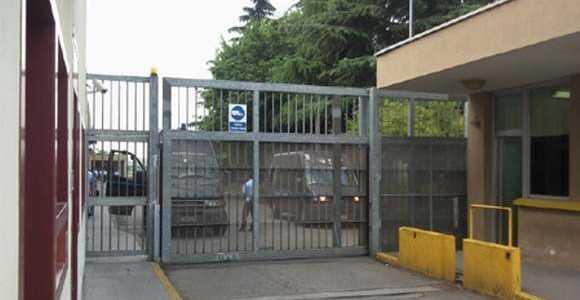 Spacciava droga in carcere a Monza complice agente corrotto. Arrestati