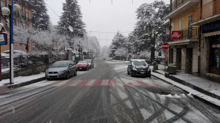 Maltempo in tutta la Calabria. Pioggia, freddo e neve in Sila
