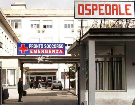 Malasanità, dopo dolori viene mandata a casa ma bimbo muore a ospedale Vibo Valentia