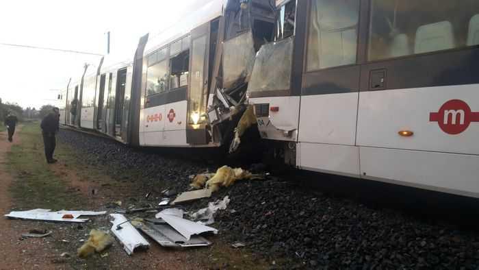 Impatto frontale tra due metro a Cagliari. 30 feriti